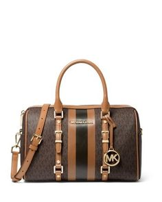 The Bedford Travel duffle satchel is featured in a medium size to make packing for your next trip full of organized style. Michael Kors Bedford, Michael Kors Outlet, Michael Kors Tote, Handbags Michael Kors, Michael Kors Hamilton, Tote Handbags, Purses And Handbags, Gucci Handbags, Classic Handbags