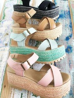 shoes for required t-shirt round of sorority recruitment Pretty Shoes, Beautiful Shoes, Cute Shoes, Me Too Shoes, Shoe Boots, Shoes Sandals, Heels, Wedge Sandals Outfit, Look Fashion