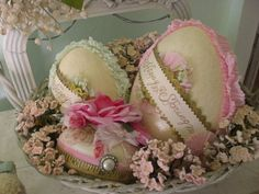 beautiful shabby eggs