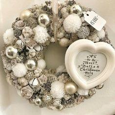 Christmas Items, Christmas And New Year, Christmas Home, Christmas Wreaths, Christmas Decorations, Holiday Decor, Advent Wreath, Wreath Crafts, Ornament Wreath