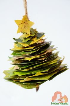 *** What about using a popsicle stick ? What about using green different colored construction papers ? Would the popsicle stick tear construction paper ? Christmas Leaves, Christmas Tree Crafts, Gold Christmas Tree, Natural Christmas, Christmas Activities, Kids Christmas, Minimal Christmas, Simple Christmas, Natal Baby