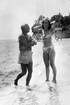 Pablo Picasso with Françoise Gillot at Juan-Les-Pins, 1949