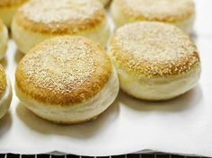 How to make Model Bakery's amazing English Muffins at home #recipe