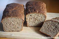 Norwegian Food, Piece Of Bread, Bread Recipes, Banana Bread, Health Fitness, Food And Drink, Keto, Scones, Granola