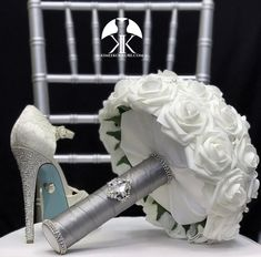 Hottest Photos Bridal Bouquet teal Style Since the single most essential and elegant components of a star of the wedding, your bridal bouquet Red Centerpieces, Mickey Centerpiece, Crown Centerpiece, Dusty Rose Wedding, Aqua Wedding, Sangria Wedding, Blue Corsage, Bridesmaid Bouquet White, Blush Bridal Showers