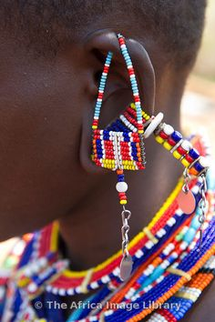 Africa   Maasai beadwork, Kenya   © Ariadne Van Zandbergen