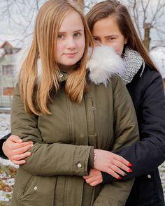 #autohash #Orăștie #Romania #JudețulHunedoara #people #portrait #fall #love #winter #outdoors #friendship #girl #wear #fashion #style #stylish #photooftheday #instagood #instafashion #scarf #affection #family #child #embrace  #friendship #friendshipgoals #canon #orastie #photographylife  #romaniangirls
