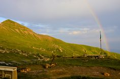 Piani di Artavaggio, Moggio LC - Vista dal Rifugio Nicola #artavaggio #lecco #mountain #nature #green #sky #clouds #blue #italia #landscape #panorama #paesaggio #arcobaleno #tramonto