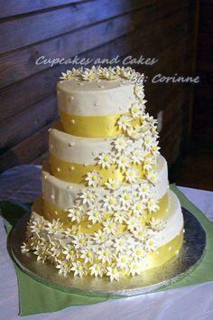 yellow daisy wedding cake