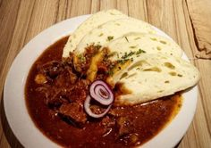 Czech Recipes, Ethnic Recipes, Soups And Stews, Hummus, Beef Recipes, Pork, Food And Drink, Meat, Chicken