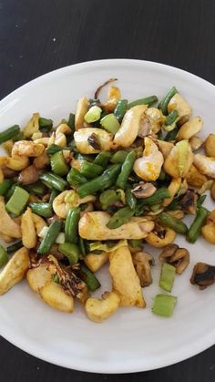 Kung Pao Chicken, Sprouts, Vegetables, Ethnic Recipes, Vegetable Recipes, Veggies