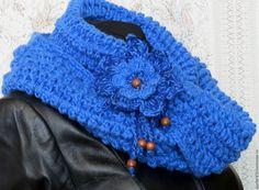Купить Тёплый вязаный снуд Каприз ночи полушерсть крючком - синий, однотонный, снуд