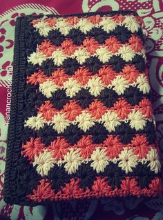 Crochet book cover Crochet Book Cover, Crochet Books, Bible Covers, Bookmarks, Crochet Patterns, Arts And Crafts, Blanket, Rugs, Diy
