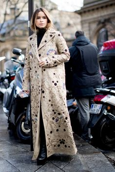 Paris Fashion Week Fall 2017 Street Style Day 6 - The Impression