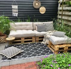 E-mail - Rebecca Mortelé - Outlook Diy Patio, Backyard Patio, Backyard Landscaping, Backyard Ideas, Garden Ideas, Pallet Garden Furniture, Outdoor Furniture Sets, Outdoor Decor, Outdoor Pallet