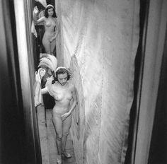 Robert Doisneau // Backstage Concert Mayol, 1953 © Atelier Robert Doisneau