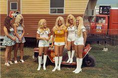 Linda Vaughn and the Hurst girls