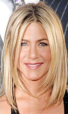 Jennifer Anistons Classic Long Bob Hairstyle, 2011