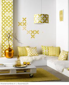 Belgium's finest: from Roeselare with love Design Studio, Deco Design, Mustard Walls, Pallet Couch, Living Spaces, Living Room, Mellow Yellow, Home Staging, New Room