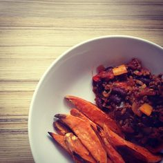 Chilli con carne with sweet potato fries