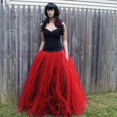 Gotische Bridal rok vloer lengte tulle door MTcoffinzUnderground
