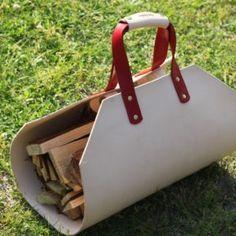 ランタンスタンド、ペグケース、木製自在等の製品ラインナップ   Roost Outdoors