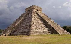 Palenque, usualmente visitado desde Villa Hermosa, es uno de los sitios arqueológicos mejores preservados de México.