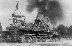 """Karl-Gerät"" (German literally ""Karl-device""), also known as Thor and Mörser Karl, was a World War II German self-propelled siege mortar (Mörser) designed and built by Rheinmetall. Panzer Iv, Railway Gun, Self Propelled Artillery, Ww2 Pictures, Armored Fighting Vehicle, Battle Tank, World Of Tanks, Big Guns, Military Weapons"