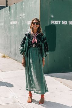 23 Stylish Casual Style Looks To Update You Wardrobe – New York Fashion New Trends Street Style Fashion Week, Looks Street Style, Looks Style, Look Fashion, Style Me, Fashion Outfits, Fall Fashion, High Fashion, Fashion Tips