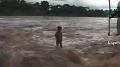 Criança se afoga, mas algo acontece...