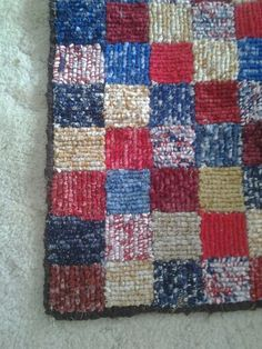 "Locker Hooked Rug -""This is my second locker hooked rug decided to go a little patriotic lol"" - luv the colors! Locker Hooking, Rug Hooking, Fabric Yarn, Fabric Remnants, Locker Rugs, Braided Rag Rugs, Latch Hook Rugs, Rug Inspiration, Woven Rug"