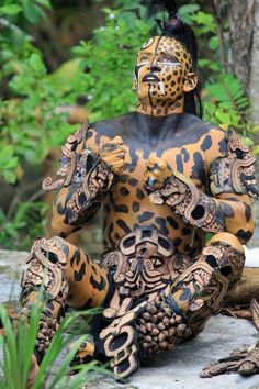 Body Painting, Native American Face Paint, Tribal Makeup, Aztec Culture, Aztec Warrior, Native Indian, People Of The World, Tribal Art, Male Beauty