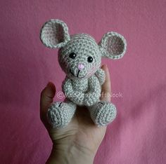 Mesmerizing Crochet an Amigurumi Rabbit Ideas. Lovely Crochet an Amigurumi Rabbit Ideas. Crochet Mouse, Crochet Amigurumi, Knit Or Crochet, Amigurumi Patterns, Crochet Crafts, Crochet Dolls, Yarn Crafts, Crochet Projects, Knitting Patterns