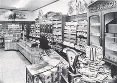 This is the grocery shop from miss Kelly. Eilis worked a while in this shop before she went to Brooklyn. That is the reason why we chose this picture. Rotterdam, Utrecht, Amsterdam Holland, The Hague, Eindhoven, Back In The Day, Old Pictures, Vintage Shops, Dutch