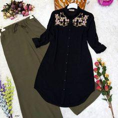 S& - Tunik Modelleri Muslim Fashion, Fashion Wear, Hijab Fashion, Fashion Dresses, Pakistani Dresses, Indian Dresses, Short Gold Prom Dresses, Dress Shirts For Women, Clothes For Women