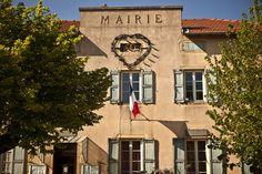 Le village de Saint Amour enBourgogne #voyage #france #bourgogne http://www.flowersway.com/visite/saint-amour-1650