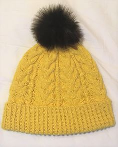 Ravelry: Hello Yellow pattern by Heidi Vaherla Yellow Pattern, Handicraft, Ravelry, Knitted Hats, Knitting Patterns, Winter Hats, Crochet, Crafts, Koti