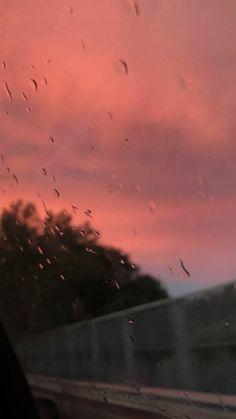 Nhìn hoàng hôn kia mang anh đi bao lâu nữa sẽ trở lại -_- - #anh #bao #Di #hoàng #hôn #kia #lai #lâu #mang #Nhìn #nữa #se #trở Sunset Wallpaper, Cute Wallpaper Backgrounds, Tumblr Wallpaper, Phone Backgrounds, Pretty Sky, Beautiful Sunset, Aesthetic Backgrounds, Aesthetic Wallpapers, Up To The Sky