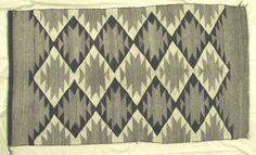 1920 Navajo Traditional Serrated Diamond Rug : Lot 2134