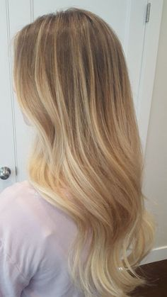 87 unique ombre hair color ideas to rock in 2018 - Hairstyles Trends Natural Blonde Balayage, Honey Blonde Hair, Blonde Hair Looks, Balayage Hair, Babylights Blonde, Natural Blonde Hair With Highlights, Balyage Long Hair, Dark Blonde Ombre, Baby Highlights