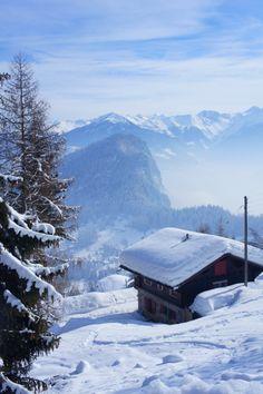 Peaceful and authentic Swiss chalet in Ovronnaz (Switzerland) Swiss Chalet, Swiss Alps, Winterthur, Zermatt, World Most Beautiful Place, Places In Switzerland, Asa Delta, Winter Cabin, Winter Snow