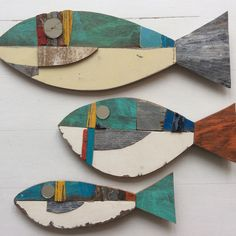 Fish and Ships Fish Crafts, Beach Crafts, Deco Ethnic Chic, Arte Pallet, Diy Pallet, Driftwood Fish, Wooden Fish, Motifs Animal, Nautical Art