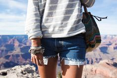 Grand_Canyon-Arizona-Shorts_Levis-Striped_Top-COnverse-Outfit-Denim-23