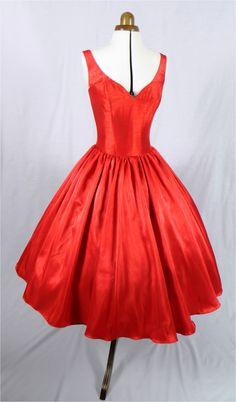 Hermosa 50s había inspirado vestido rojo con por elegance50s