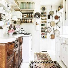 "1,674 kedvelés, 19 hozzászólás – Gillian Lawlee (@the.humble.abode) Instagram-hozzászólása: ""Okay, so at this point I think it's pretty fair to say that #ihavethisthingwitholdkitchens I'm…"""