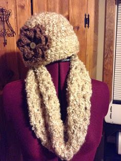 Free infinity scarf and hat sets directions to crochet. Both can be made in a day.
