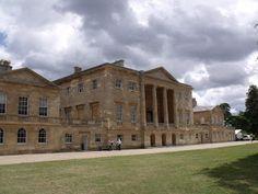 Façade de Basildon House