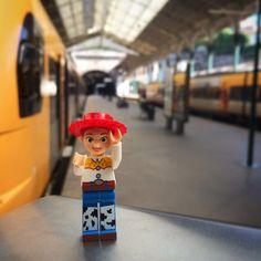 """Let's go home"" #100happydays #100diasfelizes #p3top #portugal #porto #portugalsemfiltros #saobento #estacao #comboio #cp #lego #legos #legophotography #brick #bricks #minifigure #miniseries #minifigures #toy #toystory #alegoadaykeepsthesadnessaway"