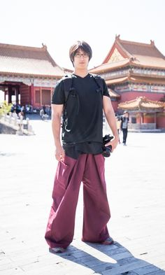 Thai fisherman pants diy tutorial Hipster Fashion, Fashion Pants, Fashion Outfits, Womens Fashion, One Clothing, Clothing Items, Pants Tutorial, Diy Tutorial, Thai Fisherman Pants