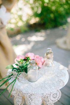 Rustic decor: http://www.stylemepretty.com/california-weddings/arroyo-grande-california/2015/04/06/vintage-boho-arroyo-grande-garden-wedding/ | Photography: Mirelle Carmichael - http://www.mirellecarmichael.com/